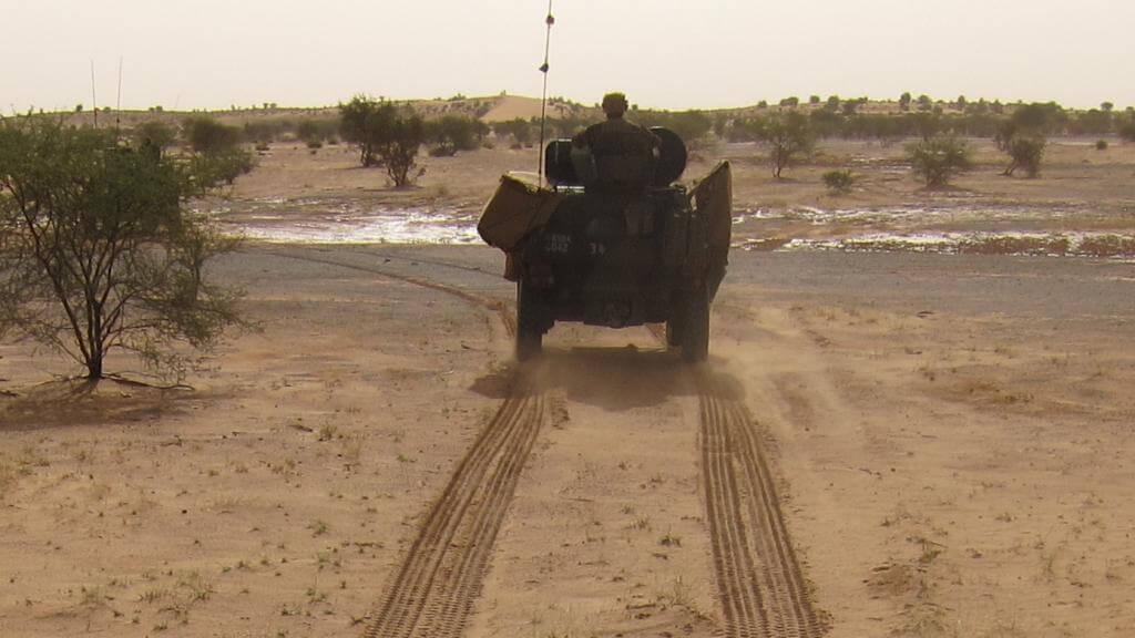 Patrouille franco-malienne sur le plateau de Batal dans les environs de Gao, au Mali.